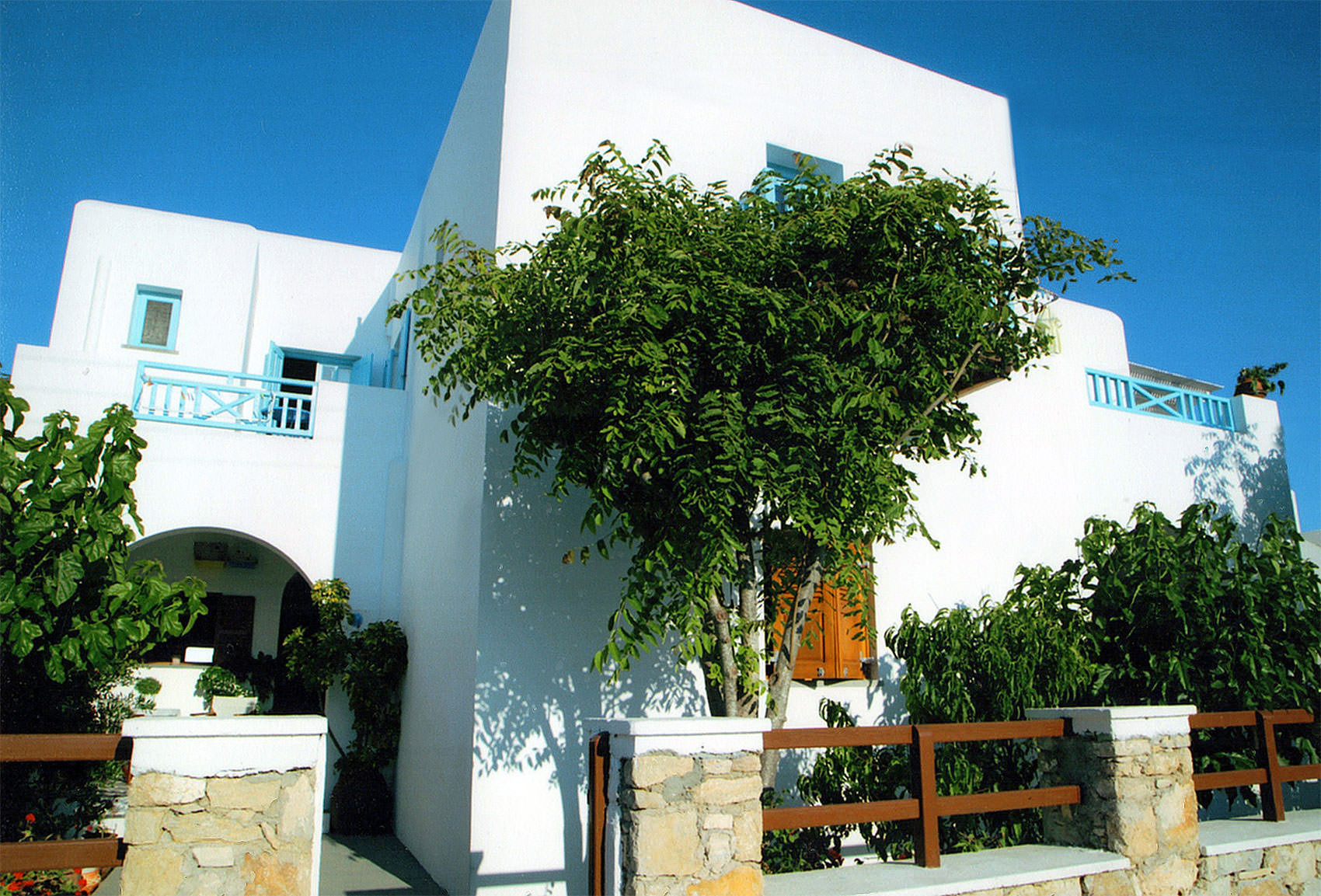 Georgia's Rooms to Let | Hotel Folegandros | Welcome